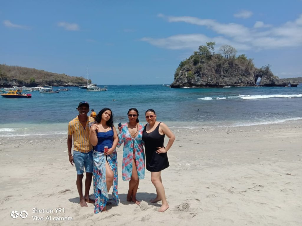Crystal Bay Beach Nusa Penida